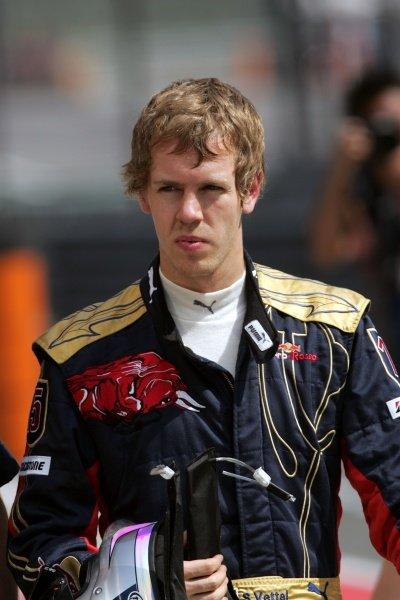 Sebastian Vettel (GER) Scuderia Toro Rosso. Formula One World Championship, Rd17, Chinese Grand Prix, Qualifying Day, Shanghai International Circuit, Shanghai, China, Saturday 18 October 2008.