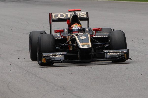 Sepang, Kuala Lumpur, Malaysia. 25th March 2012. Sunday Race.James Calado (GBR, Lotus GP) crosses the line to take victory. Action.World Copyright: Alastair Staley/GP2 Series Media Service.Ref: Digital Image _O9T2630.jpg