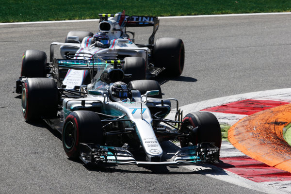 Autodromo Nazionale di Monza, Italy. Sunday 3 September 2017. Valtteri Bottas, Mercedes F1 W08 EQ Power+, leads Lance Stroll, Williams FW40 Mercedes. World Copyright: Charles Coates/LAT Images  ref: Digital Image AN7T1310