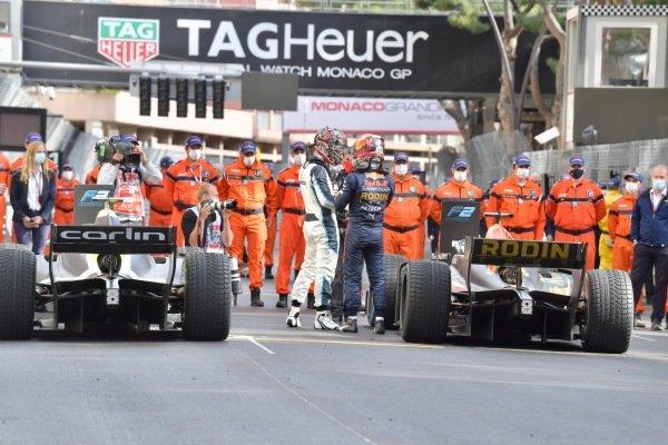 Dan Ticktum (GBR, Carlin), and Liam Lawson (NZL, Hitech Grand Prix), in Parc Ferme