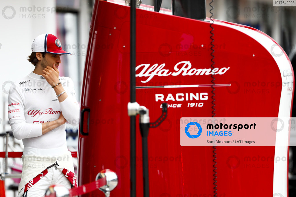 Antonio Giovinazzi, Alfa Romeo Racing, in the pit lane