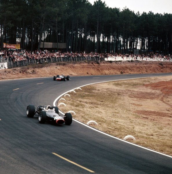 Bugatti Circuit, Le Mans, France.30/6-2/7 1967.Jackie Stewart (BRM P261) 3rd position.Ref-3/3023.World Copyright - LAT Photographic