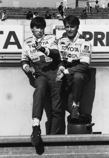 Le Mans, France. 11th - 12th June 1987.Tiff Needell and Eje Elgh on the pit wall before the race, portrait. World Copyright: LAT Photographic.Ref:  B/W Print