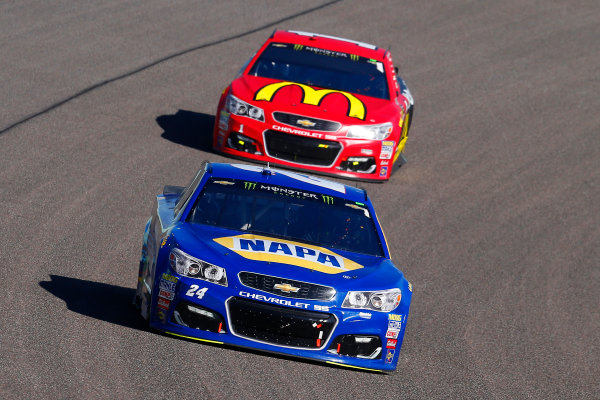 Monster Energy NASCAR Cup Series Ford EcoBoost 400 Homestead-Miami Speedway, Homestead, FL USA Sunday 19 November 2017 Chase Elliott, Hendrick Motorsports, NAPA Chevrolet SS and Jamie McMurray, Chip Ganassi Racing, McDonald's Chevrolet SS World Copyright: Russell LaBounty LAT Images