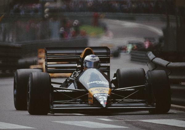 Jonathan Palmer, Tyrrell 017 Ford.
