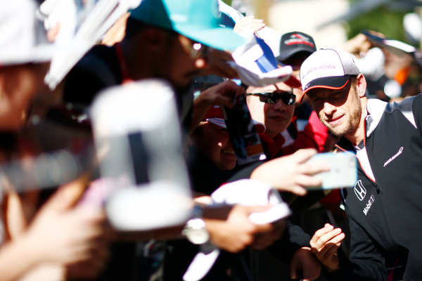 Circuit of the Americas, Austin Texas, USA. Saturday 22 October 2016. Jenson Button, McLaren, meets some fans. World Copyright: Andy Hone/LAT Photographic ref: Digital Image _ONY8593