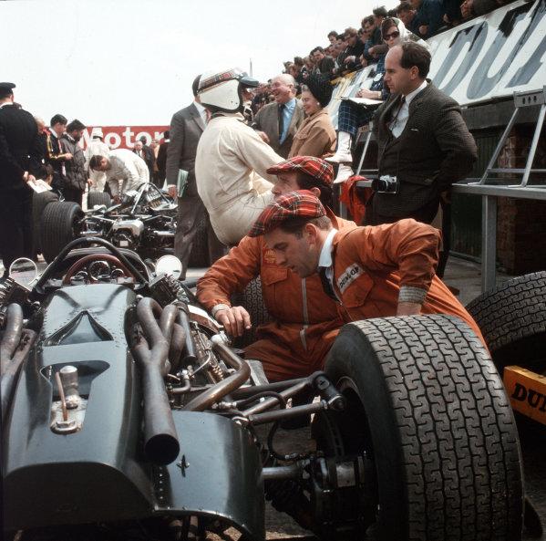 Jackie Stewart (BRM).Ref-3/2757.World Copyright - LAT Photographic