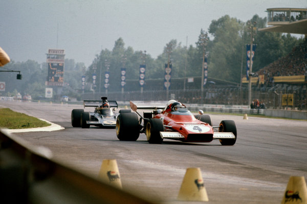 1972 Italian Grand Prix.  Monza, Italy. 8-10th September 1972.  Jacky Ickx, Ferrari 312B2, retired, leads Emerson Fittipaldi, Lotus 72D Ford, 1st position.  Ref: 72ITA26. World Copyright: LAT Photographic