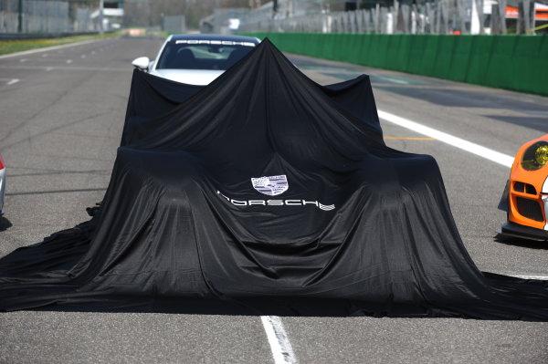 2017 FIA World Endurance Championship, 31st March - 2nd April, 2017, Monza Prologue,  PORSCHE LMP TEAM ? Porsche 919 Hybrid World Copyright: JEP/LAT Images.