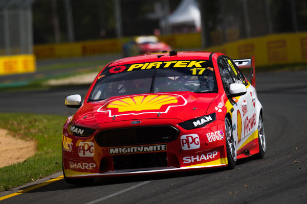 2017 Supercars Championship, Australian Grand Prix Support Race, Albert Park, Victoria, Australia. Thursday March 23rd to Sunday March 26th 2017. Scott McLaughlin drives the #17 Shell V-Power Racing Team Ford Falcon FGX. World Copyright: Daniel Kalisz/LAT Images Ref: Digital Image 230217_VASCAUSGP_DKIMG_0388.JPG