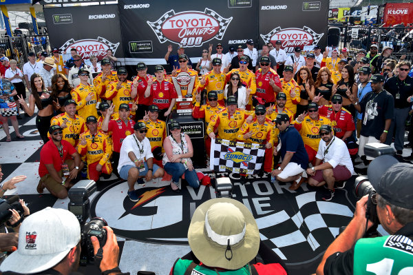 Monster Energy NASCAR Cup Series Toyota Owners 400 Richmond International Raceway, Richmond, VA USA Sunday 30 April 2017 Joey Logano, Team Penske, Shell Pennzoil Ford Fusion wins. World Copyright: Rusty Jarrett LAT Images ref: Digital Image 17RIC1rj_4437
