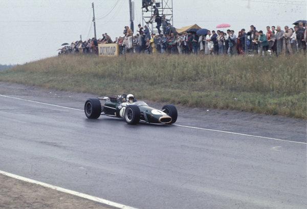Mosport Park, Ontario, Canada. 25 - 27 August 1967.Jack Brabham (Brabham BT24 Repco) 1st position, action. World Copyright: LAT Photographic.Ref:  67CAN11