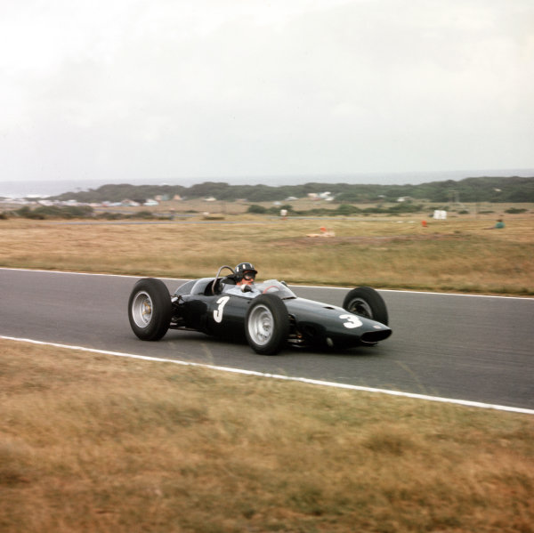 East London, South Africa.27-29 December 1962.Graham Hill (BRM P57) 1st position.Ref-3/0772.World Copyright - LAT Photographic