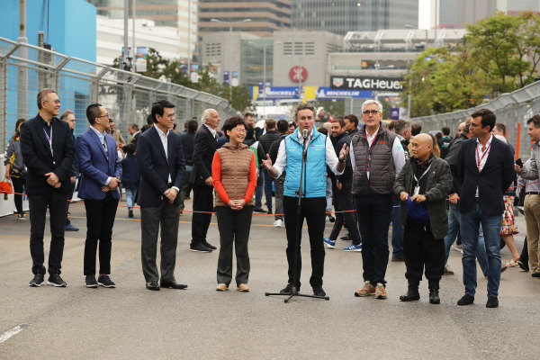Alejandro Agag, CEO, Formula E, with Ulrich Spiesshofer, CEO, ABB, and the Hong Kong race promoters.