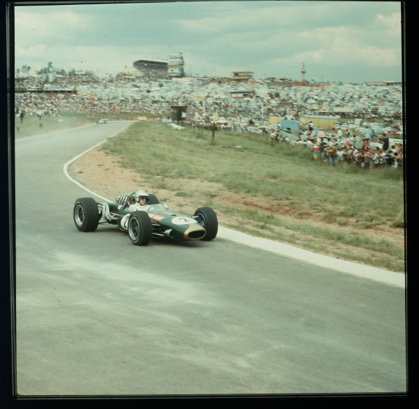1967 South African Grand Prix.Kyalami, South Africa.31/12/66-2/1/1967.Denny Hulme (Brabham BT20 Repco) 4th position.Ref-3/2489.World Copyright - LAT Photographic