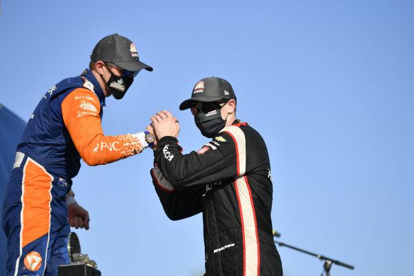 #9 Scott Dixon, Chip Ganassi Racing Honda, #1 Josef Newgarden, Team Penske Chevrolet