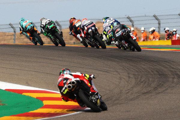 Jaume Masia, Leopard Racing leads pack, last corner.
