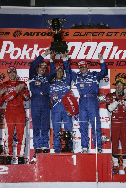 2006 Japanese Super GT ChampionshipSuzuka 1000km, Japan. 20th August 2006GT500 podium - winners Benoit Treluyer / Kazuki Hoshino / Jeremie Dufour (CALSONIC IMPUL Z) 1st position.Photo: Yasushi Ishihara / LAT Photographicref: Digital Image 2006SGT_R6_007
