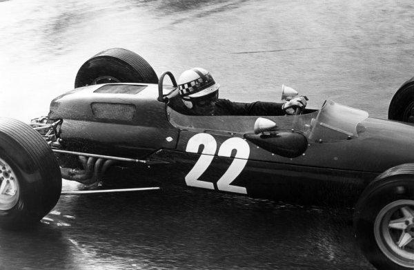1965 Belgian Grand Prix.Spa-Francorchamps, Belgium. 11-13 June 1965.Innes Ireland, Lotus 25, 13th position, action.World Copyright - LAT Photographicref: B/W Print