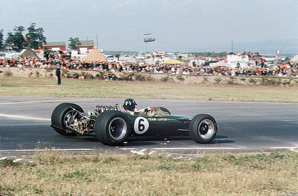 Watkins Glen, New York, USA.30/9-1/10 1967.Graham Hill (Lotus 49 Ford) 2nd position.Ref-35mm 67 USA 05.World Copyright - LAT Photographic