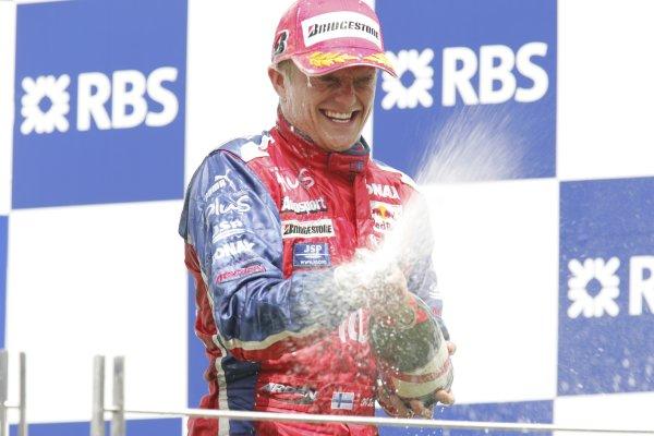 2005 GP2 Series - TurkeyIstanbul Park, IstanbulSunday Race 2Heikki Kovalainen ( fin, Arden) sprays the champagne, Podium Copyright: GP2 Series Media Service ref: Digital Image Only