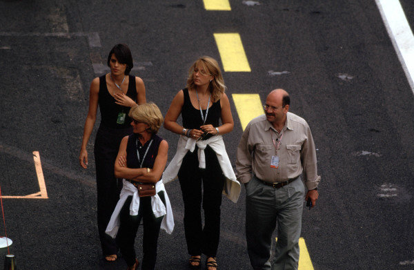 1998 French Grand Prix.Magny-Cours, Nevers, France.26-28 June 1998.The glamour of formula 1.World Copyright - LAT Photographic
