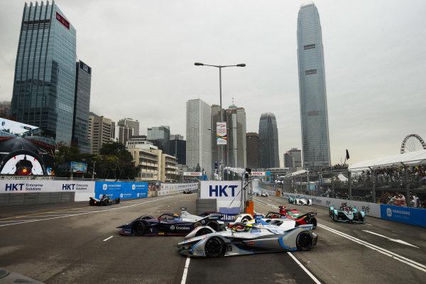 Robin Frijns (NLD), Envision Virgin Racing, Audi e-tron FE05 battles with Felipe Massa (BRA), Venturi Formula E, Venturi VFE05 and Daniel Abt (DEU), Audi Sport ABT Schaeffler, Audi e-tron FE05