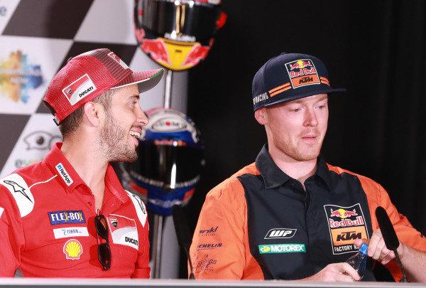 Andrea Dovizioso, Ducati Team, Bradley Smith, Red Bull KTM Factory Racing.