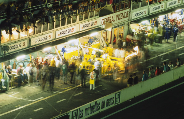Ray Bellm / Gordon Spice / Lyn St James, Spice Engineering, Spice SE89C - Ford Cosworth DFZ, makes a pit stop at night.