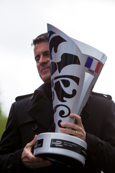 2015/2016 FIA Formula E Championship. Paris ePrix, Paris, France. Saturday 23 April 2016. Manuel Valls, Prime Minister of France. Photo: Zak Mauger/LAT/Formula E ref: Digital Image _79P9349