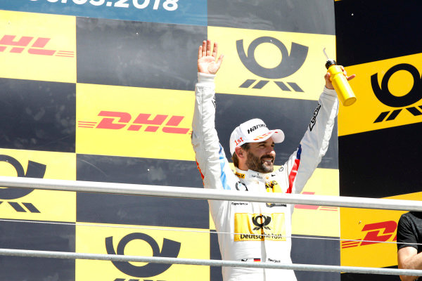 Podium: Race winner Timo Glock, BMW Team RMG .