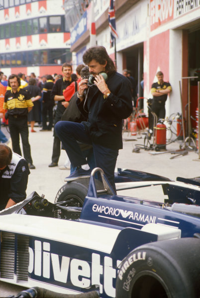 Imola, Italy.25-27 April 1986.Chief designer, Gordon Murray in the pits with a Brabham BT55-BMW, portrait. World Copyright: LAT Photographic.Ref:  86SM