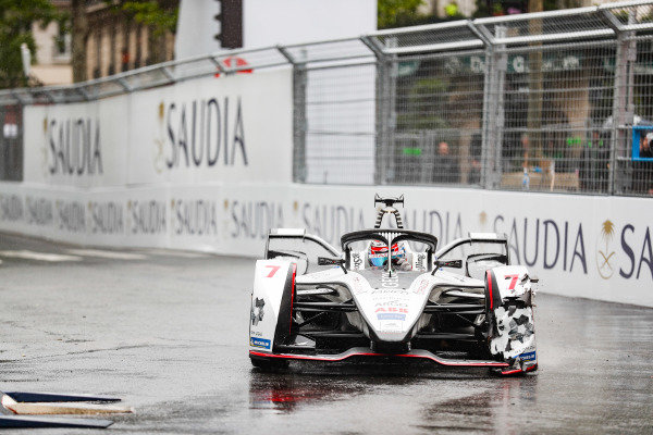 Jose Maria Lopez (ARG), GEOX Dragon Racing, Penske EV-3, with a damaged front wing