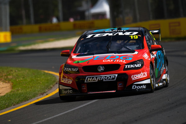 2017 Supercars Championship, Australian Grand Prix Support Race, Albert Park, Victoria, Australia. Thursday March 23rd to Sunday March 26th 2017. Will Davison drives the #19 Tekno Woodstock Racing Holden Commodore VF. World Copyright: Daniel Kalisz/LAT Images Ref: Digital Image 230217_VASCAUSGP_DKIMG_0365.JPG