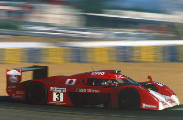1999 Le Mans 24 Hours. Le Mans, France. 12th - 13th June 1999. Ukyou Katayama/Toshio Suzuki/Keiichi Tsuchiya (Toyota GT-One), 2nd position, action. World Copyright: Gavin Lawrence/LAT Photographic. Ref:  99LM51