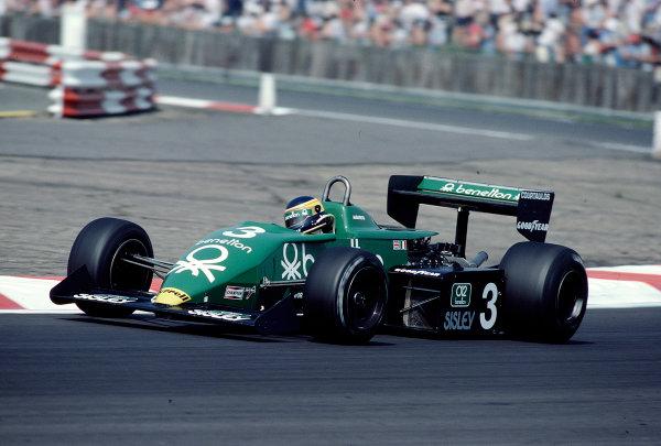 1983 British Grand Prix.Silverstone, England.14-16 July 1983.Michele Alboreto (Tyrrell 011 Ford) 13th position.Ref-83 GB 44.World Copyright - LAT Photographic