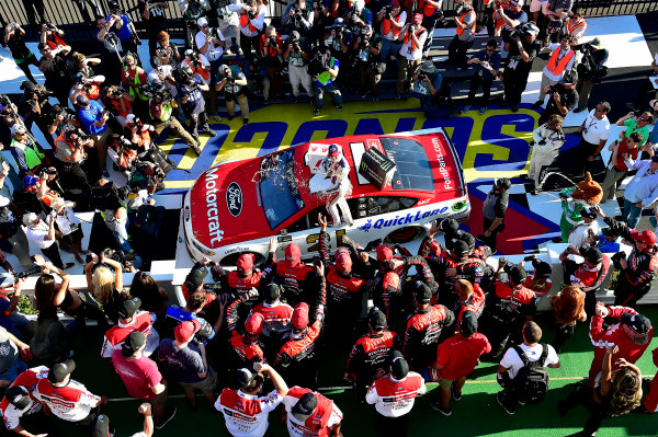 Monster Energy NASCAR Cup Series AXALTA presents the Pocono 400 Pocono Raceway, Long Pond, PA USA Sunday 11 June 2017 Ryan Blaney, Wood Brothers Racing, Motorcraft/Quick Lane Tire & Auto Center Ford Fusion wins. World Copyright: Rusty Jarrett LAT Images ref: Digital Image 17POC1rj_3597