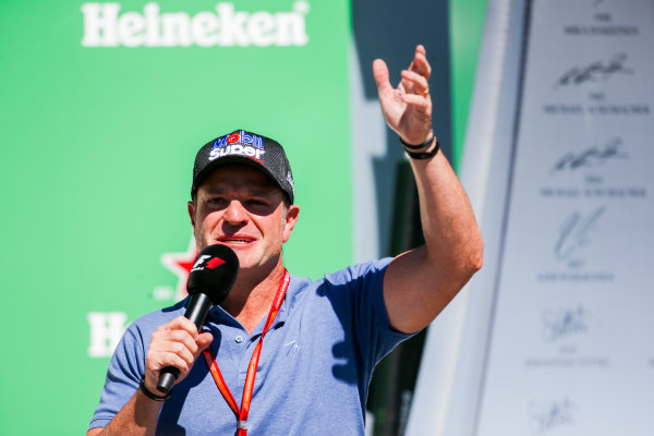 Interlagos, Sao Paulo, Brazil. Sunday 12 November 2017. Rubens Barrichello interviews the drivers on the podium. World Copyright: Charles Coates/LAT Images  ref: Digital Image AN7T7341