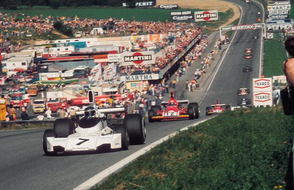 Osterreichring, Zeltweg, Austria.16-18 August 1974.Carlos Reutemann (Brabham BT44 Ford) 1st position leads NikiLauda (Ferrari 312B3).Ref-74 AUT 03.World Copyright - LAT Photographic