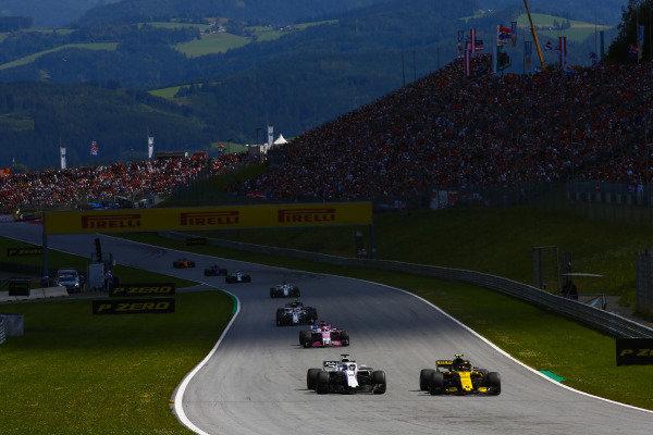 Carlos Sainz Jr., Renault Sport F1 Team R.S. 18, leads Lance Stroll, Williams FW41 Mercedes, Sergio Perez, Force India VJM11 Mercedes, Sergey Sirotkin, Williams FW41 Mercedes, and Pierre Gasly, Toro Rosso STR13 Honda.