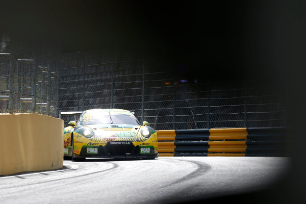 2015 FIA GT World Cup Circuit de Guia, Macau, China Thursday 16 November 2017. Darryl O'Young, Craft Bamboo Racing, Porsche 911 GT3R  World Copyright: Alexander Trienitz/LAT Images ref: Digital Image 2017-Macau-GP-AT2-1385