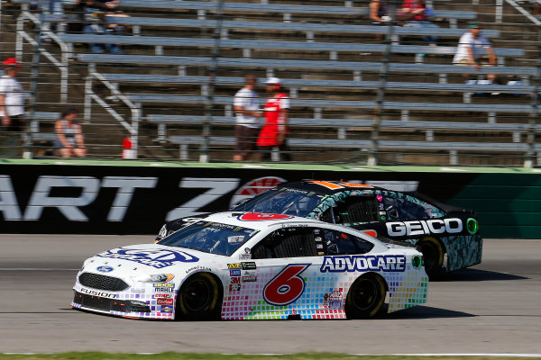 Monster Energy NASCAR Cup Series AAA Texas 500 Texas Motor Speedway Fort Worth, TX USA Sunday 5 November 2017 Trevor Bayne, Roush Fenway Racing, AdvoCare Ford Fusion and Ty Dillon, Germain Racing, GEICO Military Chevrolet SS World Copyright: Russell LaBounty LAT Images