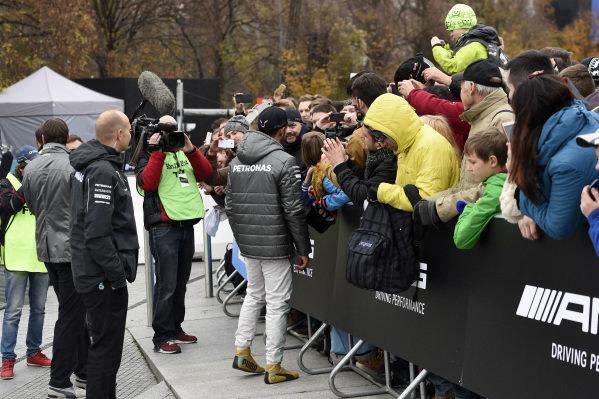 Lewis Hamilton (GBR) Mercedes AMG F1 signs autographs.Mercedes-Benz Stars and Cars, Mercedes-Benz Museum, Stuttgart, Germany, 29 November 2014.