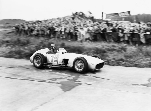 Nurburgring, Germany.30/7-1/8 1954.Karl Kling (Mercedes-Benz W196) 4th position.Ref-Motor 766/9.World Copyright - LAT Photographic
