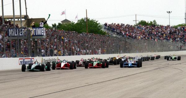 2002 CART Milwaukee, 2 June, 2002, Milwaukee, Wisconsin, USAStart of the race-2002 Lesley Ann Miller, USALAT Photographic