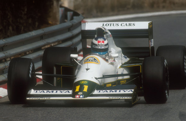 1991 Monaco Grand Prix.Monte Carlo, Monaco.26-28 April 1991.Mika Hakkinen (Lotus 102B Judd). He exited the race after an oil leak caused a fire.Ref-91 MON 36.World Copyright - LAT Photographic