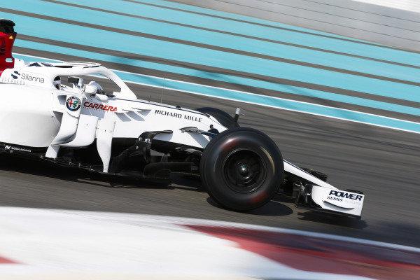 Kimi Raikkonen, Sauber C37 Ferrari.