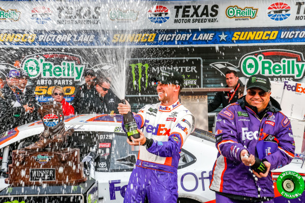 #11: Denny Hamlin, Joe Gibbs Racing, Toyota Camry FedEx Office champagne